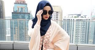 wear a shawl or pashmina hijab