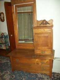 antique chevelle dresser hat box