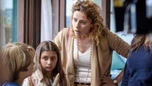 Come una madre, la seconda puntata in replica su Rai Play: i 3 ...