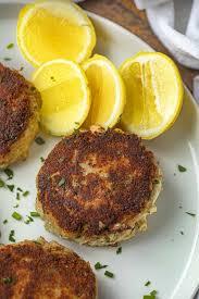 Crab Cakes (Minimal Breading & So EASY ...