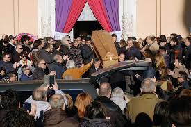 Addio al batterista Franco Del Prete, chiesa gremita