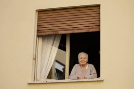 Virus lockdown means Italy's old are ...