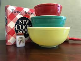 vintage pyrex mixing bowls primary