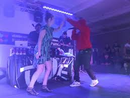 kendrick lamar and best coast perform