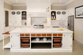 31 por kitchen shelves with baskets