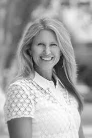 Hilary Bell   Real Estate Agents   Beacham & Company REALTORS