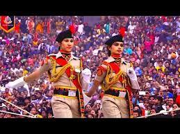 Wagah Border Parade Amritsar | INDIAN BSF vs Pakistan Ranger ...