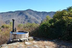 water rock retreat in the great smoky