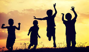 Playing freely in nature may boost complex thinking, social skills ...