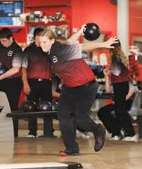 Cardinal girls claim 6th conference bowling title, boys 2nd | Newton Daily  News
