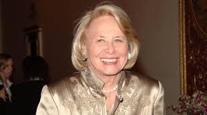 Legendary Gossip Columnist Liz Smith Dead At 94 | NewNowNext