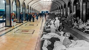 Refugio para millones de personas: el metro de Moscú durante la ...