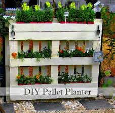 9 easy home decor pallet projects that