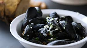 Mussels in White Wine and Garlic Recipe ...