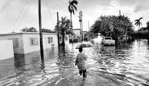 Hurricane Katrina hit South Florida 10 ...