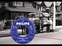 BIG BILL BROONZY & FLOSSIE SMITH - Ain't Goin' There No More (1931 ...