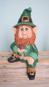 leprechaun statue for st patricks day