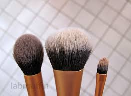 how to wash your brushes with daiso