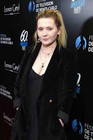 Abigail Breslin Style, Clothes, Outfits and Fashion • CelebMafia