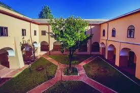 1 isiss giordano liceo classico venafro chiostro | PrimoPiano Molise