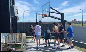 Neighbour S Ridiculous Complaint To Council About A Backyard Basketball Hoop And The Teens Using It Daily Mail Online