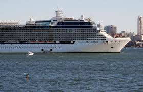 Australia coronavirus cases stable, cruise ships sent home - Reuters