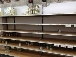 Coronavirus: a Milano supermercati presi d'assalto