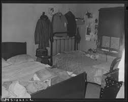 File:Bedroom in home of Mrs. Eloise Smith, widow of miner. Mrs. Smith lives  in company housing project. Industrial... - NARA - 540286.jpg - Wikimedia  Commons