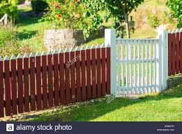 Page 3 White Picket Fence Gate High Resolution Stock Photography And Images Alamy