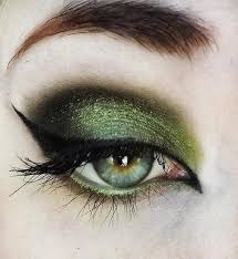 green witch eye makeup cat eye makeup