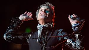 David Lee Roth says he's changed his name, dropping 'Lee'