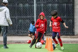 أطفال غزة يداعبون الأمل في أكاديميات كرة القدم | | صحيفة العرب
