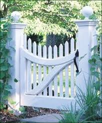 Home Remodeling Improvement Scalloped White Picket Fence Vinyl Too Great Design Ideas Garden Gates And Fencing Picket Gate Garden Gates