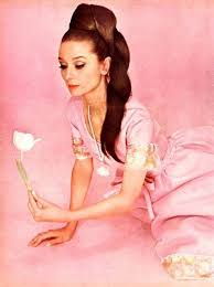 Pin by Blanca Smith on Audrey Hepburn | Audrey hepburn pictures, Audrey  hepburn, Hepburn