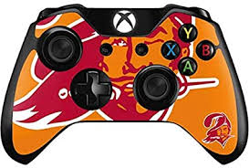 Amazon Com Skinit Decal Gaming Skin Compatible With Xbox One Controller Officially Licensed Nfl Tampa Bay Buccaneers Retro Logo Design Sports Outdoors