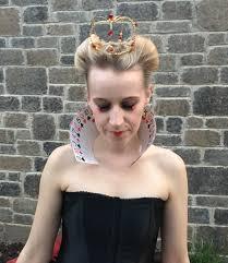 diy queen of hearts costume video