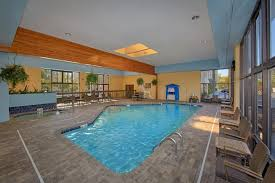 pigeon forge hotel with an indoor pool