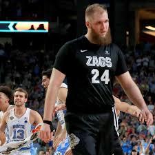 NBA Summer League scores: Przemek Karnowski not finding much room to move -  The Slipper Still Fits