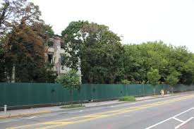 Construction Fence Appears In Front Of Admiral S Row Brownstoner