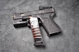macro gun background clip glock 19