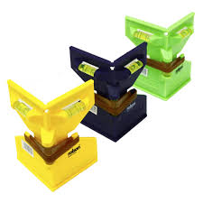 Rolson 3 Way Fence Post Spirit Level Magnetic Elastic Straps Blue Green Yellow