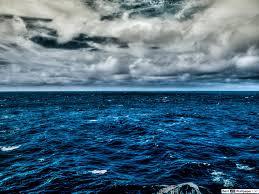 الغيوم فوق المحيط الأزرق تنزيل خلفية Hd