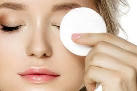 cara membersihkan makeup yang benar