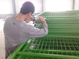1 2 30mm Frame 8 H 2430mm 10 W 3048mm Mesh 2 X4 50mmx100mm Construction Fence Panels Middle 1 25mm Hdg Powder Coating