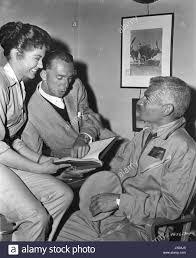 Jack Arnold Jack Arnold tournage on set The Lady Takes a Flyer ...