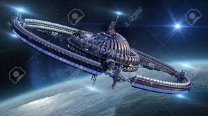 Nave Espacial Interestelar Con Núcleo De Cúpula Y La Gravitación ...