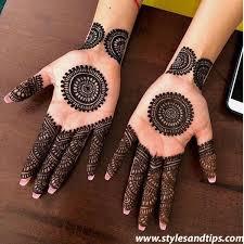 Beautiful Back Hand Circle Mehndi Design