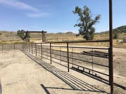 Continuous Fence