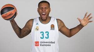 7DAYS Play of the night: Trey Thompkins, Real Madrid - YouTube