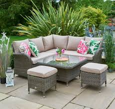 garden corner set with adjustable table